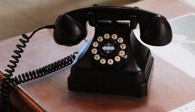 telephone-1762138_1280